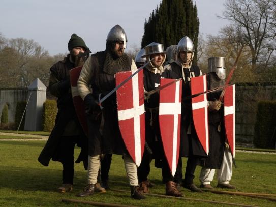 De ridders vormen een linie