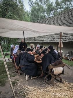 Er wordt in ons kampement samen gegeten